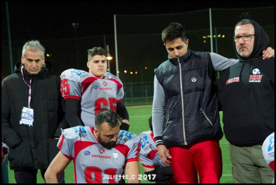 a sx il presidente Garzia con alcuni giocatori (Foto Giulia Congia)
