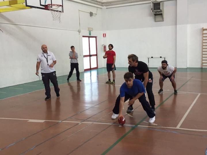 I Crusaders mostrano il Flag Football agli insegnanti
